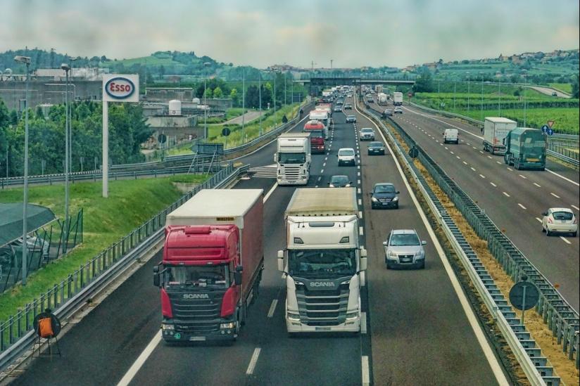 Coronavirus : trois syndicats appellent les routiers à exercer leur droit de retrait