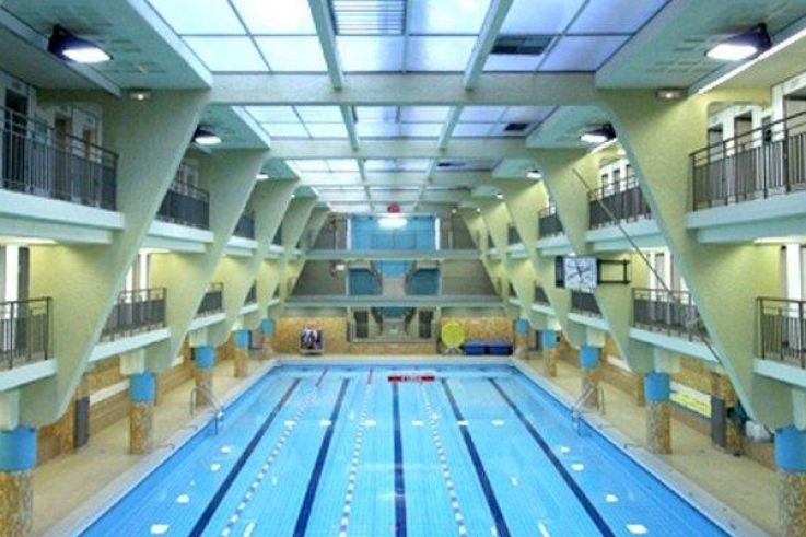 Les Piscines A Paris 19eme Arrondissement Sortiraparis Com