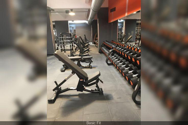 La Salle De Sport Basic Fit Quai De La Loire Dans Le 19e