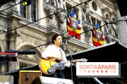 Antoine LéonPaul au Festival Fnac Live, le jeudi 21 juillet 2011, sur le Parvis de l'Hôtel de Ville