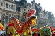 Défilé du Nouvel An Chinois sur le Parvis de l'Hôtel de Ville 2013