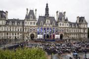 """Le parvis de l'Hôtel de Ville devient """"Place de l'Hôtel de Ville - Esplanade de la Libération"""""""