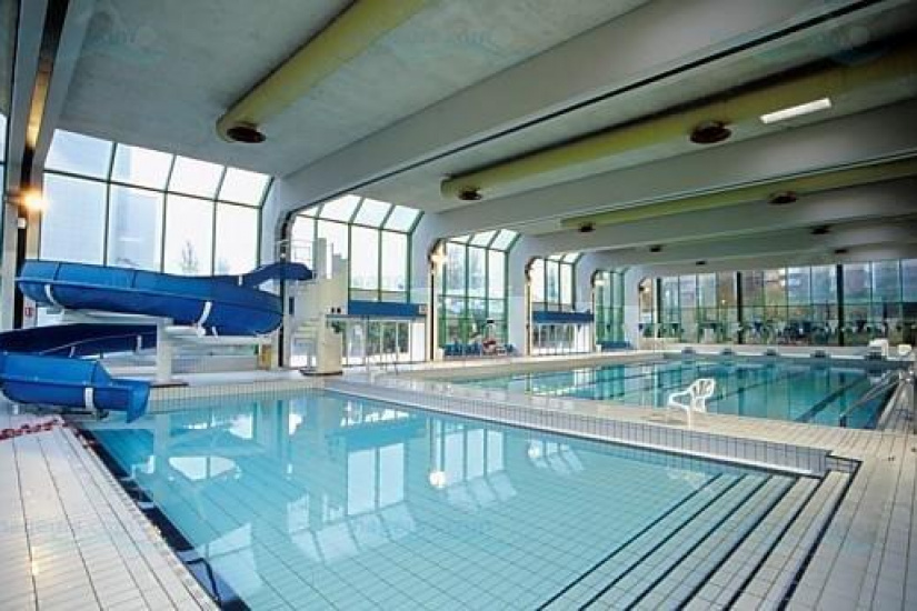 Les piscines paris 17 me arrondissement for Piscine bernard lafay