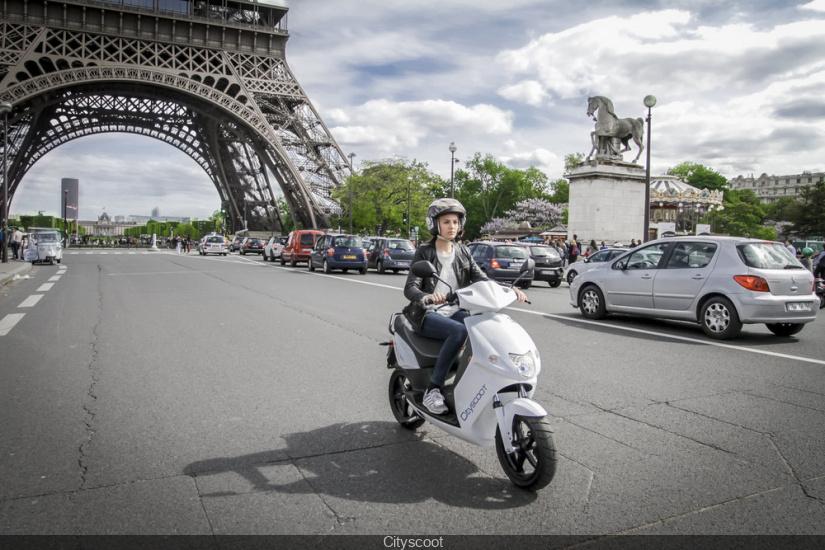cityscoot paris lancement du scooter lectrique en libre service partir de l 39 t 2016. Black Bedroom Furniture Sets. Home Design Ideas