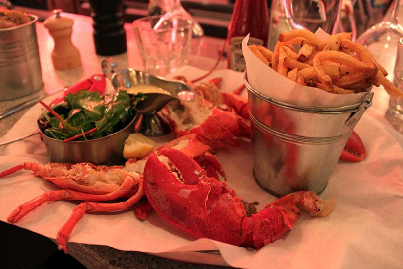 les pinces the lobster restaurant in paris. Black Bedroom Furniture Sets. Home Design Ideas