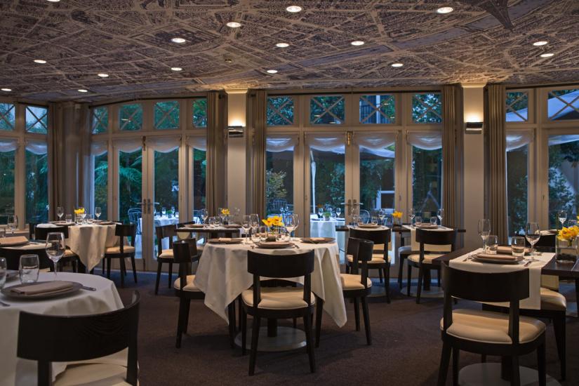 Le Relais Du Parc   Le Restaurant De L U0026 39 H U00f4tel Renaissance Le Parc Trocad U00e9ro