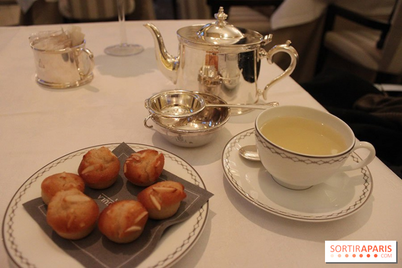 Tea time du Peninsula