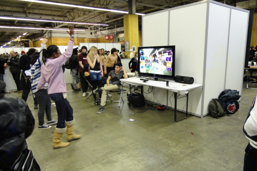 Paris Manga & Sci-Fi Show 2012, Dance Central 2