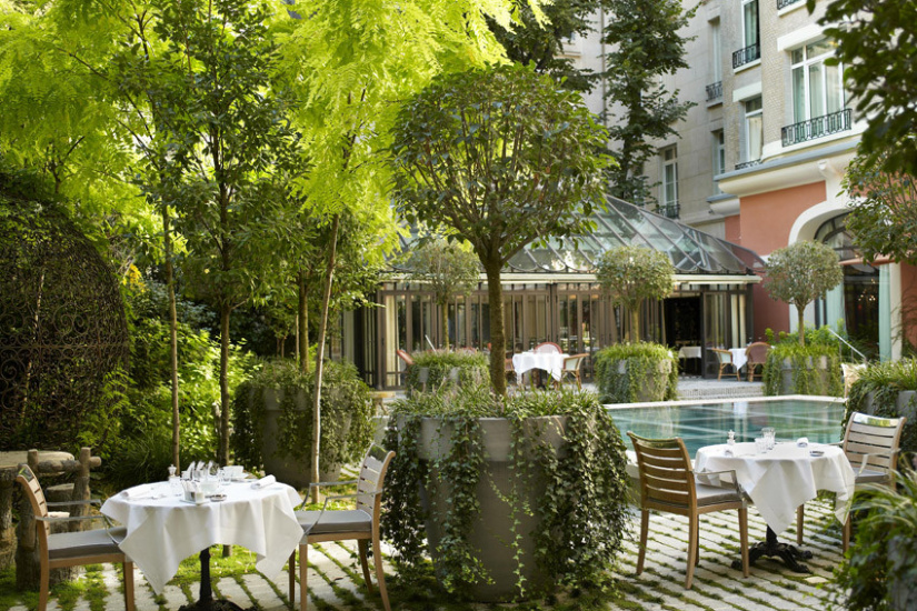 Escapade artistique au royal monceau pour la fiac for Restaurant le jardin royal monceau