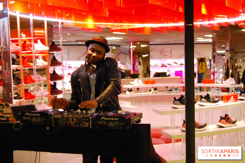 DJ au stand Sneakers - Afterwork des Galeries Lafayette pour le Summer Break