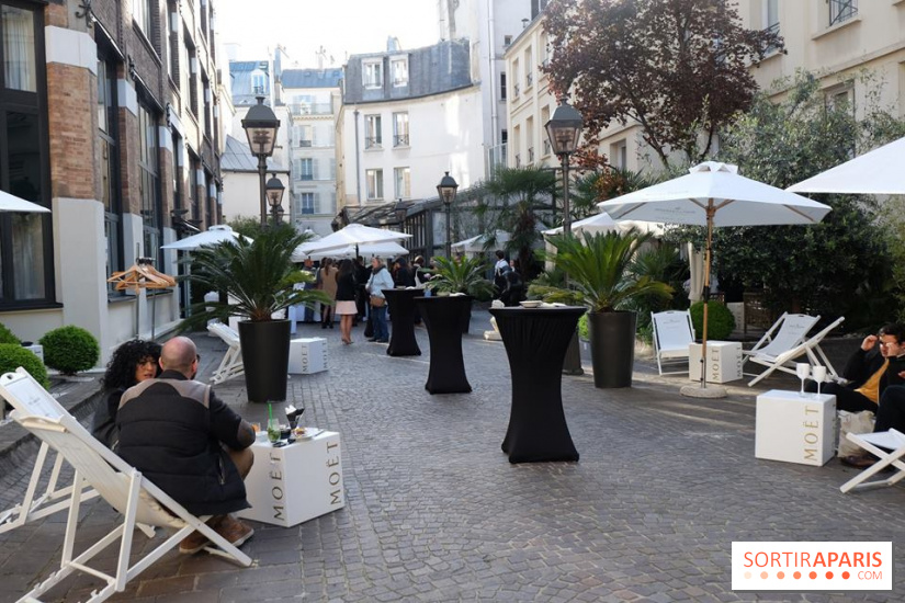 le restaurant terrasse cach des jardins du marais. Black Bedroom Furniture Sets. Home Design Ideas