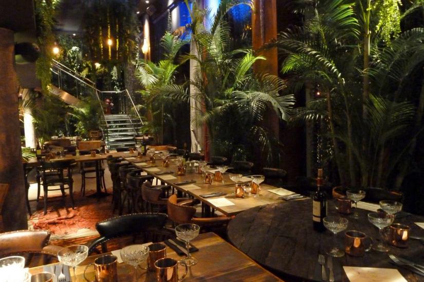 apr s la table l 39 esprit jungle du kube h tel paris. Black Bedroom Furniture Sets. Home Design Ideas