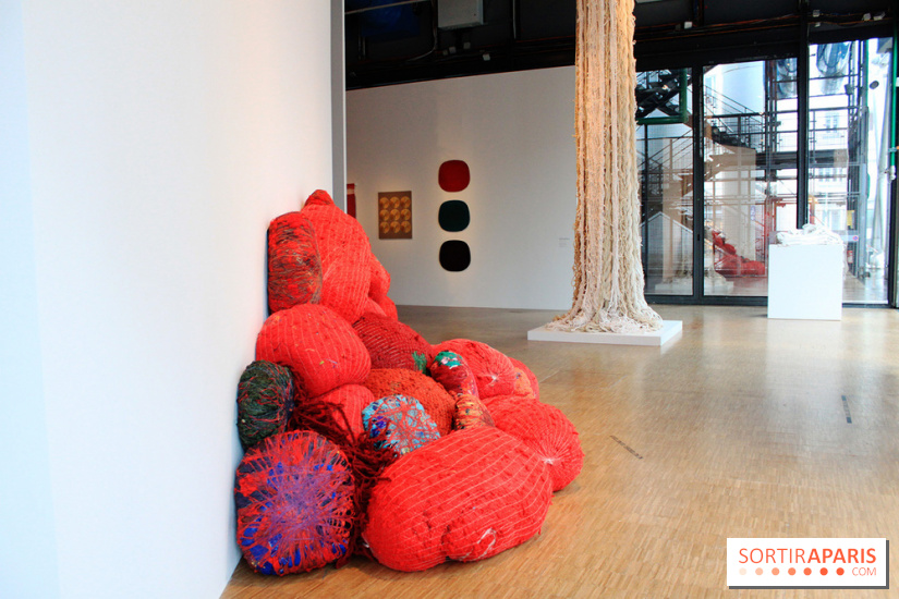 Sheila Hicks, Rempart au Centre Pompidou : les photos de l'exposition