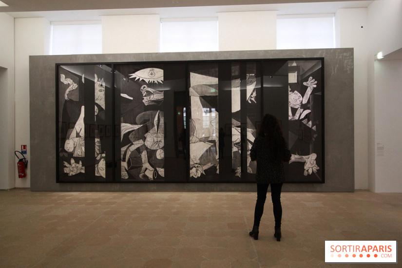 guernica l 39 exposition v nement au mus e picasso photos et video. Black Bedroom Furniture Sets. Home Design Ideas