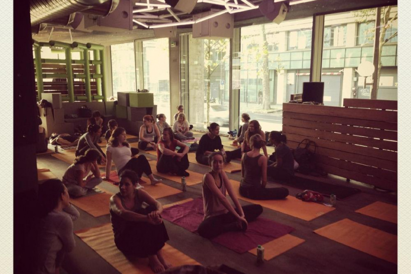 WORKSHOP & YOGA @ WANDERLUST