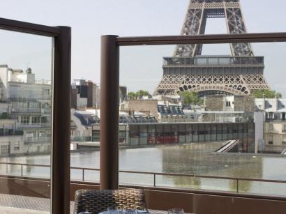 le nouvel espace salon de la terrasse du restaurant les. Black Bedroom Furniture Sets. Home Design Ideas
