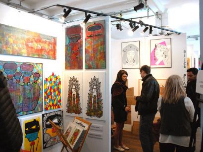 Herv di rosa plus jamais seul l 39 exposition la maison for Grand salon d art abordable