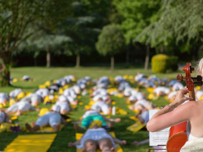 Journée internationale du yoga au Waldorf Astoria Trianon Palace Versailles