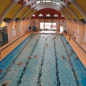Les bains et piscines en île de France