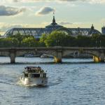 Les Vedettes de Paris propose des croisières et un café sur les quais cet été !