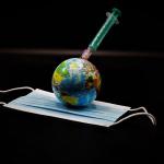 Covid : Emmanuel Macron appelle à une initiative internationale pour lutter contre les variants