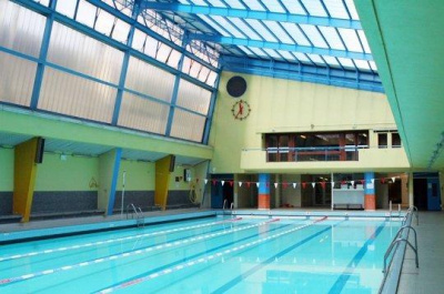 Les piscines paris 15 me arrondissement for Piscine armand massard aquagym