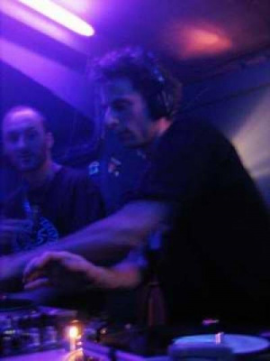 DJ RITCH & SENSI ( Digital Tsunami Crew)
