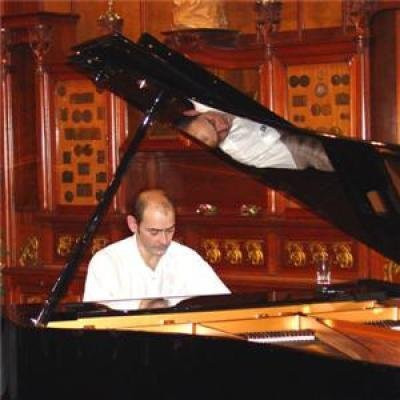 Eric Henry Greard (piano)