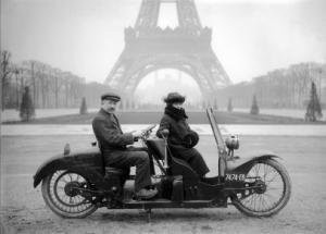 70 ans de vie quotidienne à Paris dans les collections de l'Agence Roger-Viollet
