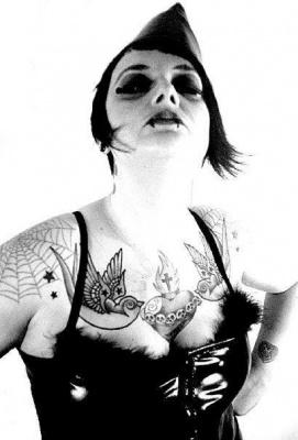 Cabaret Burlesque Kisses Cause Trouble, burlesque trash et déglingué