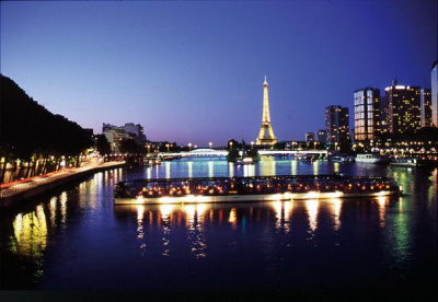 Réveillon du Nouvel An 2013-2014 à bord des Bateaux Parisiens