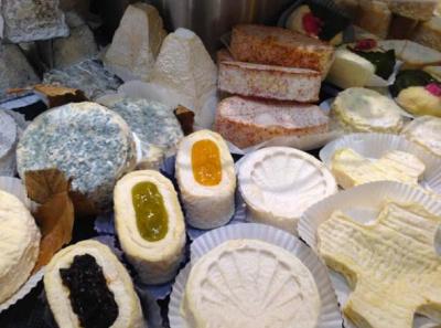Apéritif fromage & saké au bar du Renaissance Vendôme