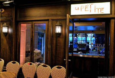 La petite : petit bar sympa place Contrescarpe