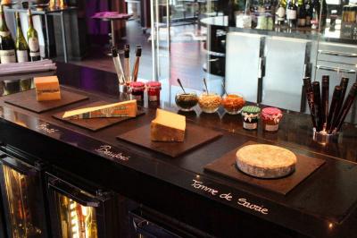 Bar à fromages au Makassar lounge & restaurant