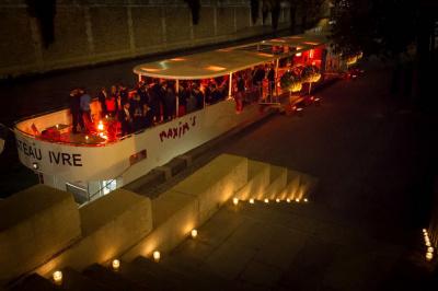 Réveillon du Nouvel An 2014-2015 sur Le Bateau Ivre Maxim's