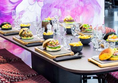 2ème nouvelle collection de burgers au W Opéra