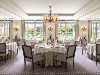 L'Abeille, restaurant du Shangri-La ouvre pour le déjeuner