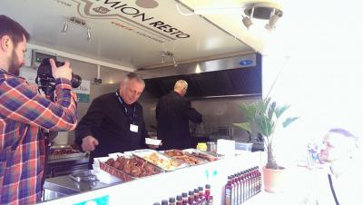 David Martin gare son food truck à La Foire de Paris
