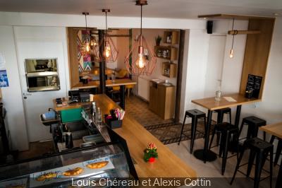 Patuco : bar à chaussons et cocktails Canal Saint Martin