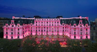 Le Peninsula Paris lutte contre le cancer du sein en octobre