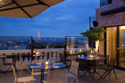 """Ouverture du bar à cocktails sur le rooftop du Terrass""""Hôtel"""