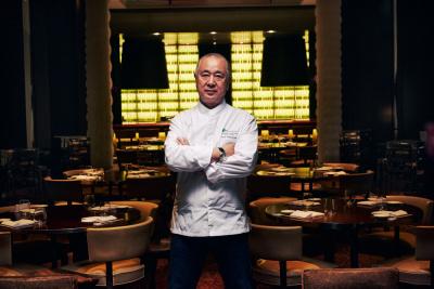 """""""Sushi class"""" et Menu inédit avec le Chef Nobu Matsuhis au Royal Monceau"""