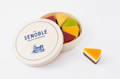 "Senoble lance 8 minis-cheesecake servis dans leur ""boîte fromagère"""