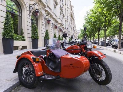 Le side-car s'invite au Royal Monceau