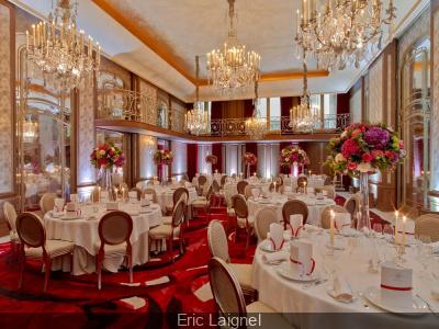 L'Hôtel Plaza Athénée vous amène sur la Route des Indes