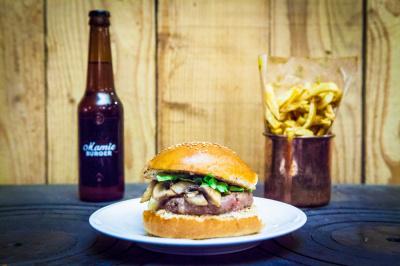 Le beau-père : dernier burger de chez Mamie Burger