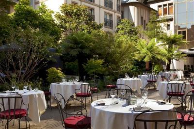 Terrasse Hôtel Renaissance Le Parc Trocadéro