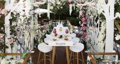 Le jardin suspendu la terrasse estivale du royal monceau for Restaurant le jardin royal monceau