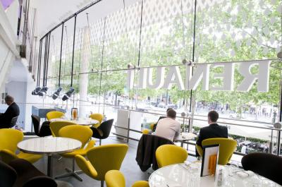Atelier Renault, Exposition, Restaurant, Bar, Lounge, Voitures électriques