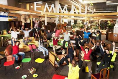 Grande vente solidaire chez emma s d fi - Emmaus paris depot vente ...